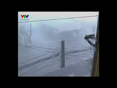 Những hình ảnh đầu tiên của siêu bão Haiyan đổ bộ Phillipines...tan hoang cmnr