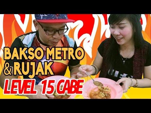 Ngiler Rujak Potong Cabe 15 & Bakso Metro | Kuliner Blusukan Pasar Baru ft. Rhea Aenea