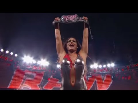 Beth Phoenix vs. Nikki Bella - Divas Championship: Raw, April 23, 2012