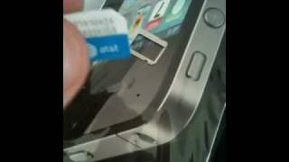 iPhone 4 sim card and slot