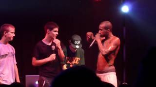Hopsin FAKE SwizZz 1st guy bails, 2nd goes for it HOW YOU LIKE ME NOW 6/28/12 Pittsburgh