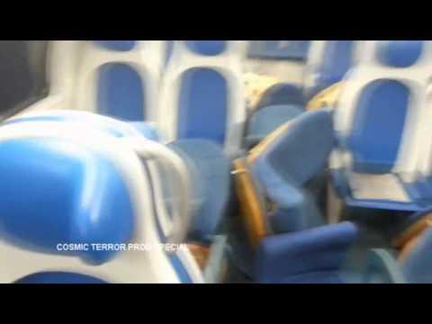 Devastano un treno ripresi da un video