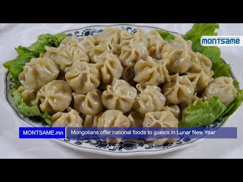 Mongolians offer national foods to guests in Lunar New Year