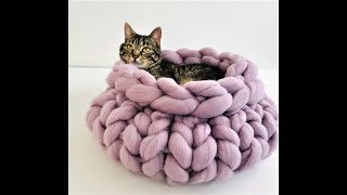 HAND KNIT A CAT BED WITHIN 30 MINUTES
