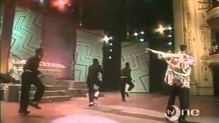 DJ Jazzy Jeff & The Fresh Prince  Jeff Waz On The Beat Box Live 1989)