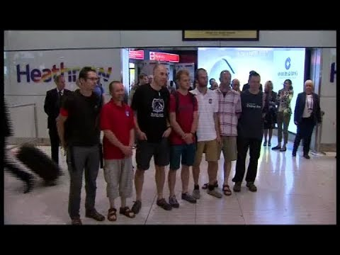 [UNTV]  British divers who assisted in Thai cave rescue return home