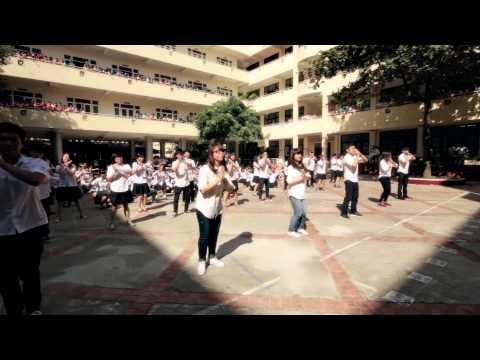 FlashMob Áo Trắng Đến Trường - Món quà ý nghĩa cho thầy cô ngày 20/11