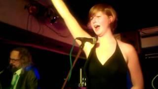 Video Biene Maja z klubu Vagón
