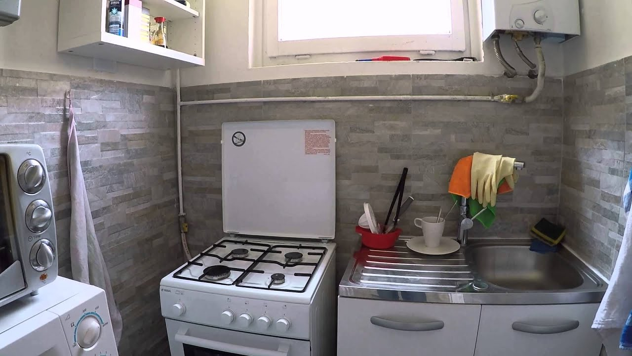 Rooms with TV in a quiet 2 bedroom apartment, females only
