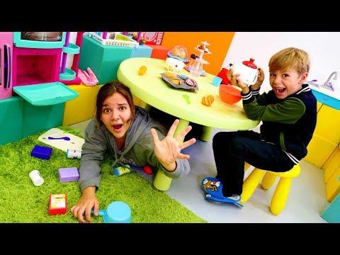 Komik çocuk oyunları. Sema'nın küçük kuzeni  gelip evi alt üst ediyor