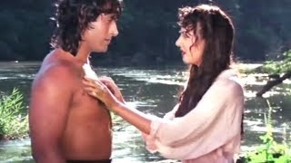 Jungle Love Scene   Kirti Singh saved By Tarzan   Bollywood Hindi Movie Video