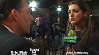 Anne Hathaway & Eric Blair talk Make up and Music 2003