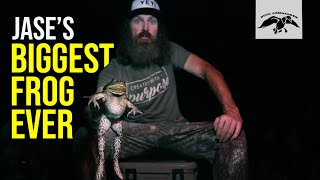 Jase Robertson Catches His BIGGEST FROG EVER!