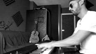 Queen - Somebody to Love (piano cover by MDZ ft. Freddie Mercury Original A capela)