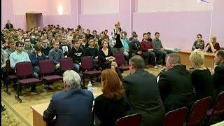 Студенты Политехнического колледжа НовГУ познакомились с потенциальными работодателями