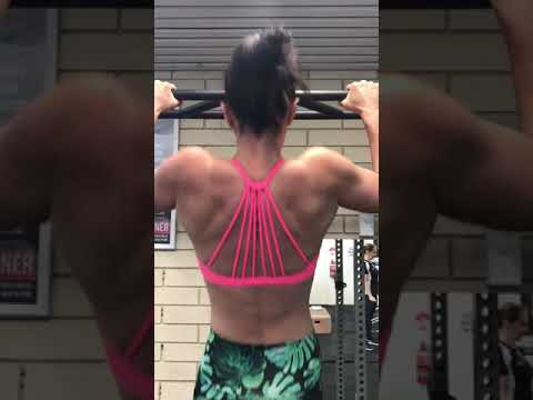 Sam absolutely SMASHING some chin ups! Look at that back!!