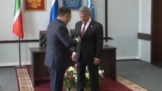 Президент Татарстана Рустам Минниханов награжден орденом Республики Тыва