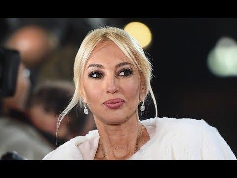 «Он не хотел прикасаться к дочке»: Лера Кудрявцева откровенно рассказала о муже, родах, и няне онлайн видео