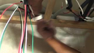 舊屋翻新全紀錄●水電師傅如何在木作天花板內埋設與串接電線
