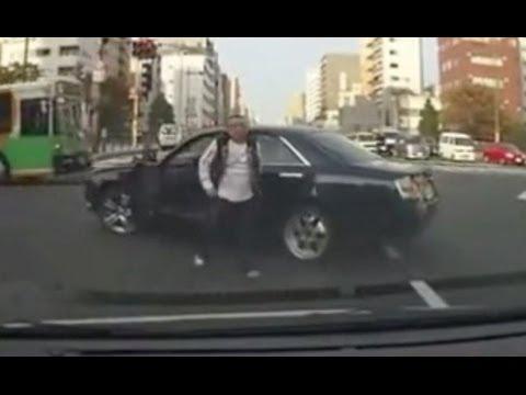 NAVER まとめ【ドラレコは見た】路上ファイト!煽り合い!壮絶運転まとめ【たまに更新】