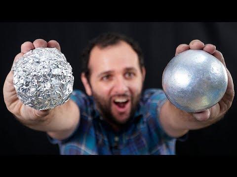 Como transformar papel alumínio em uma bola de metal