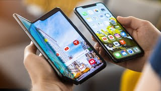 Apple iPhone 11 Pro vs Samsung Galaxy Fold