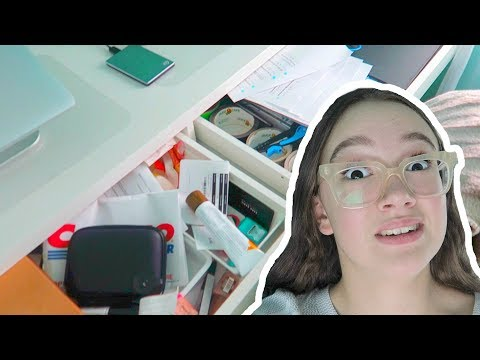 Ugh School! Organizing/Cleaning My Desk For School... FionaFrills Vlogs