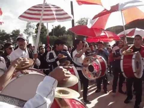 """""""Festejos de la Muerte Blanca a Liga de Quito por 83 años de Fundación."""" Barra: Muerte Blanca • Club: LDU"""