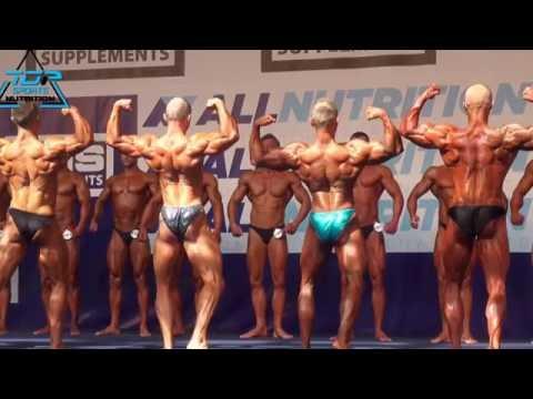 Ćwiczenia na wzmocnienie mięśni grzbietu z występem