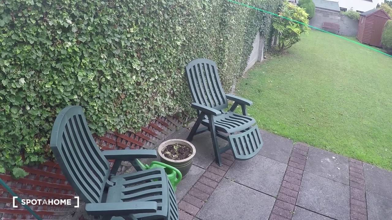 Rooms to rent in comfortable 3-bedroom house with garden in charming Lucan
