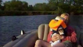preview picture of video 'Boating on the River Thames'