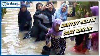 Video Santriwati Selfie 'Santuy' ketika Pondok Pesantren Dilanda Banjir, Kegiatan Tetap Jalan Normal