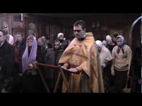 Почему женщины одевают платок в храме