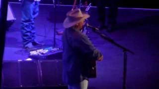 Livin' On Love ALAN JACKSON LIVE in Baton Rouge, Louisiana 11/5/2009