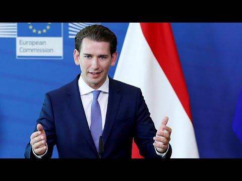Η Αυστρία απελαύνει 40 ιμάμηδες και κλείνει 7 τζαμιά