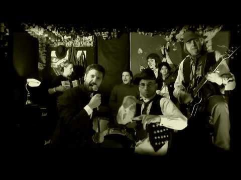 Malá bílá vrána - Malá bílá vrána - Medvěd Balšoj  (Official Music Video 2013)