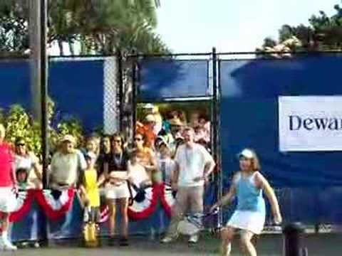 Georganna plays tennis with Andy Roddick