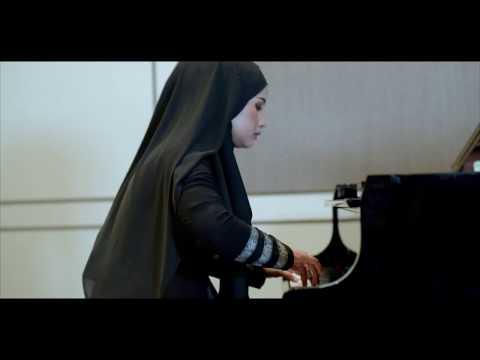 "DWI RAHMAWATI plays Levi Gunardi's ""MAKE US PROUD, CHILDREN!"""