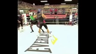 Wladimir Klitschko Sparring Izu Ugonoh Clips Him With Right Hand (2015 Footage)!!!
