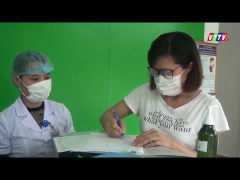 Bệnh viện đa khoa huyện Vũ Thư trao giấy chứng nhận cho công dân hoàn thành thời gian cách ly điều trị nghi nhiễm Covid-19