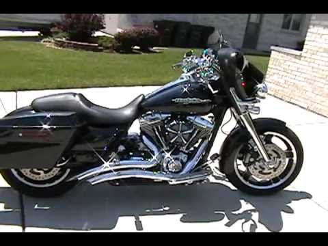 2012 Harley Davidson FLHX Street Glide With Vance & Hines Big Radius 2 Into 2 Pipes..... Sick!