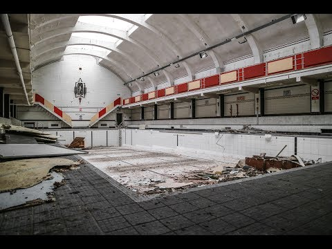 Inside Abandoned Leisure Centre with Power - Urbex Lost Places UK