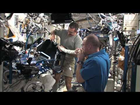 Astronaut Plays The International Space Station Vacuum Like A Didgeridoo