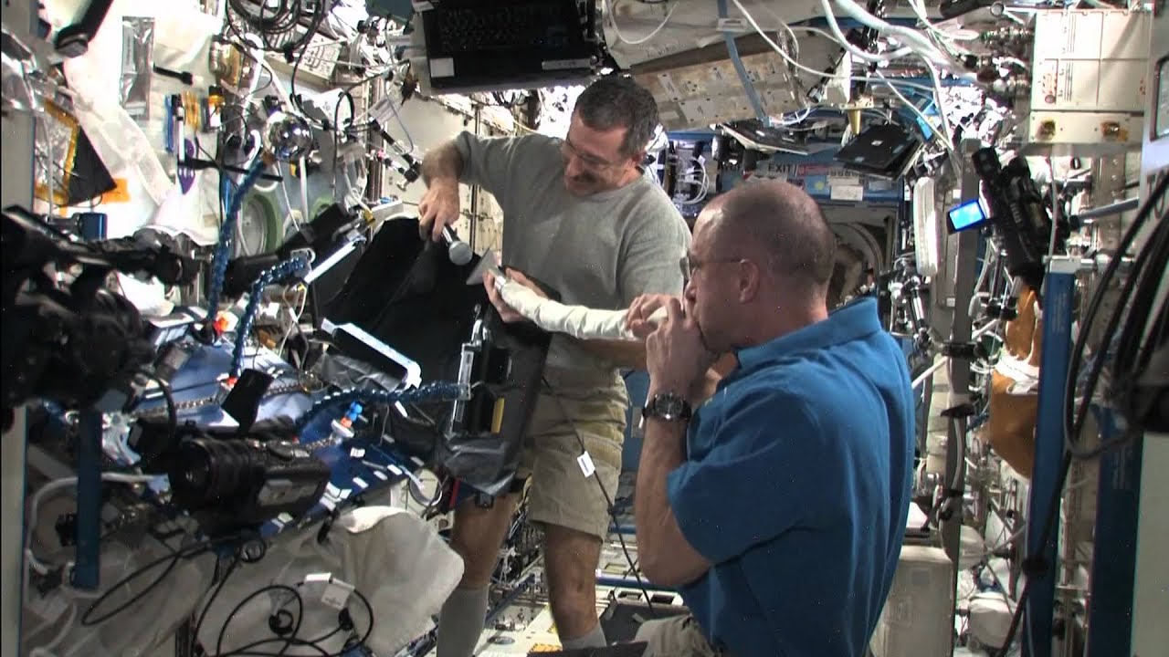 Astronaut Plays The International Space Station Vacuum Like A Didgeridoo