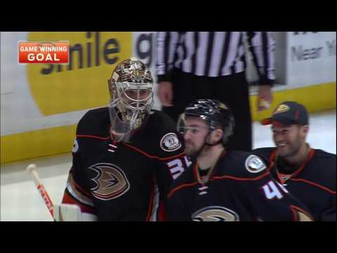 Gotta See It: Smith's mishandling of puck makes for best Kase scenario