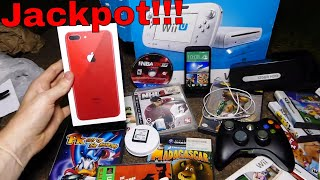 JACKPOT!!! Gamestop Dumpster Dive Night #507 - dooclip.me