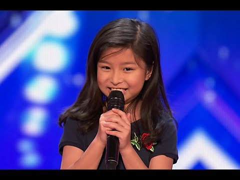 "9-Year-Old Celine Tam Stuns Crowd with ""My Heart Will Go On"" on America's Got Talent 2017"