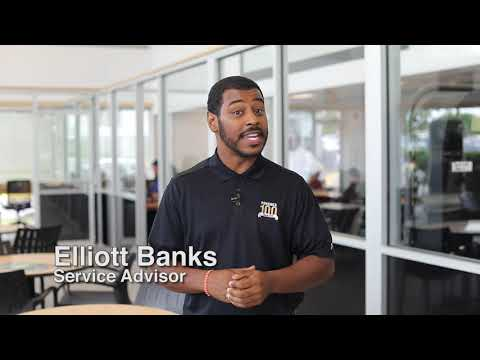 Service Advisor Elliot Banks