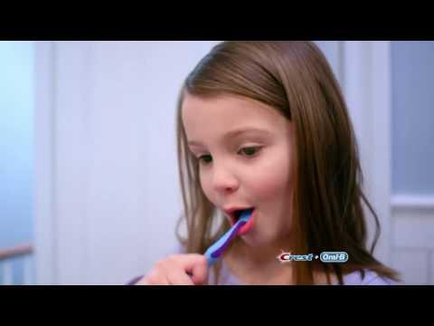 ORAL-B VITALITY KIDS tandenborstel / Brosse à dents - Product video Vandenborre.be