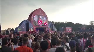 Фан-зона на Воробьевых горах реагирует на гол сборной Франции